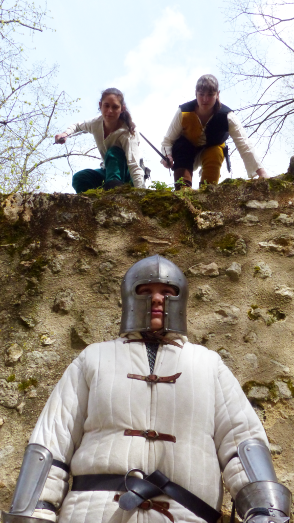 Femmes guerrières guerrieres Médiéval medieval Fati Reims Combat Cascade épée épées epees epee escrime troupe compagnie cie animation armes armure moyen age
